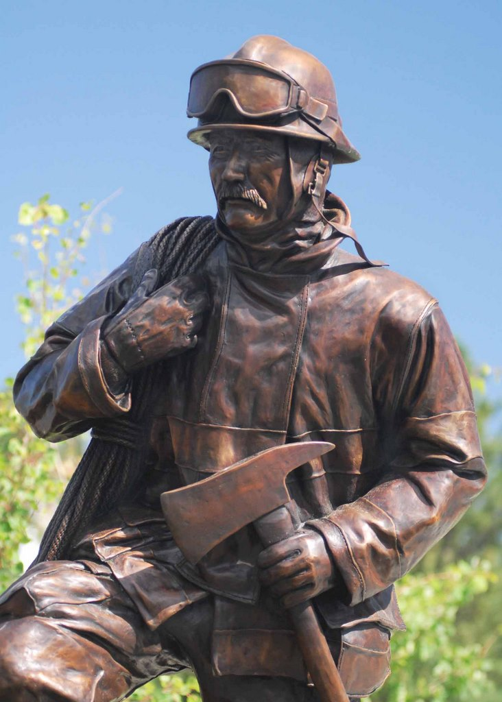 Custom Firefighter Statues 911sculpture By Paul Olesniewicz